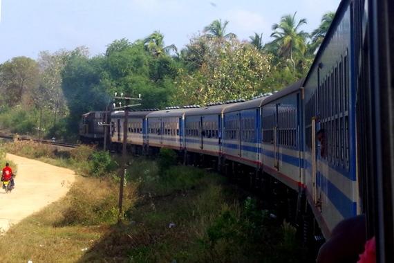 2014-05-08-TraingoingEast.JPG