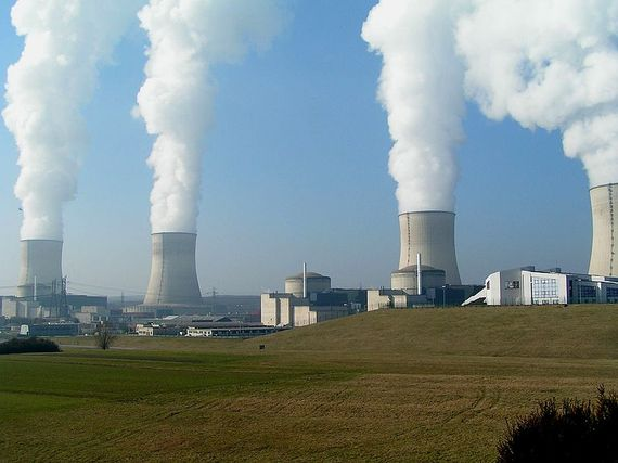 2014-05-11-800pxNuclear_Power_Plant_Cattenom.jpg
