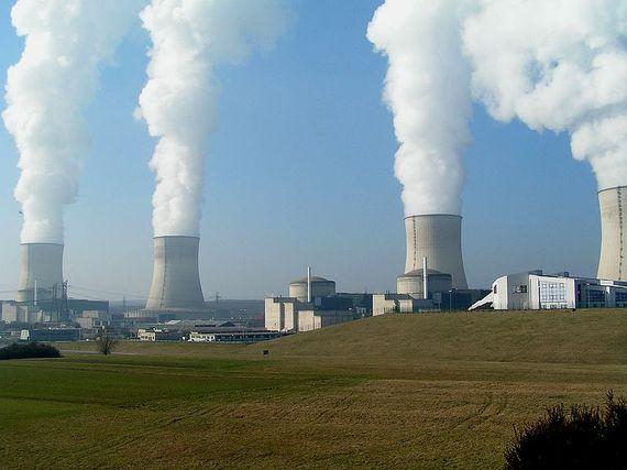 2014-05-11-800pxNuclear_Power_Plant_Cattenom.jpg
