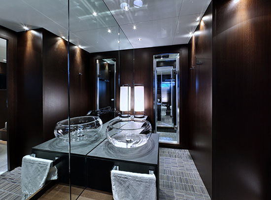2014-05-12-HPsubmarine_bathroom.jpg