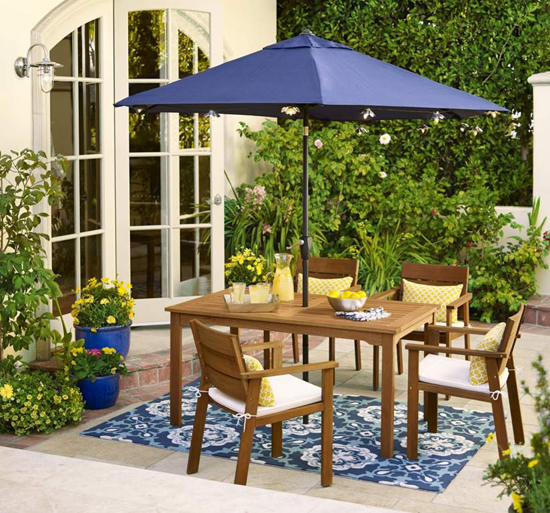 Set the Mood for Summer Outdoor Entertaining with a Focal Point