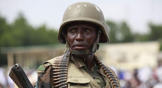 2014-05-15-1308_nigerian_soldier_ap_328.jpg