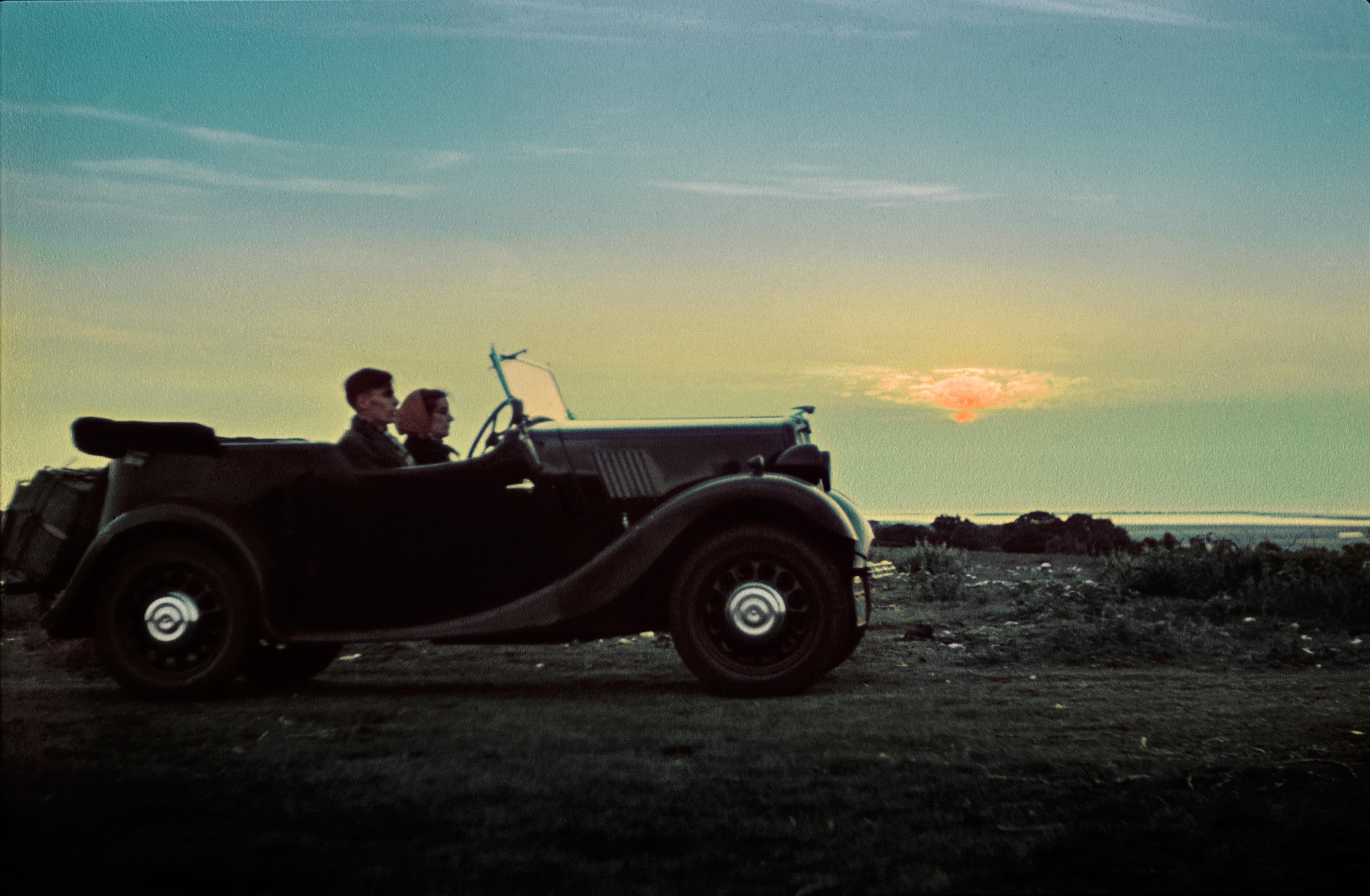 2014-05-15-SunsetCar.jpg