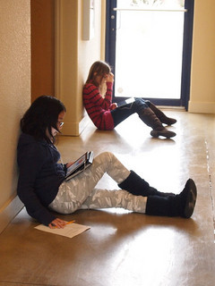2014-05-23-Article_May13_14_Children_Reading_iPads.jpg
