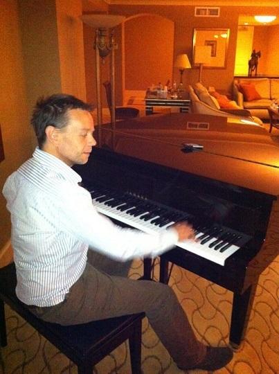 2014-05-23-HenryHereford_Piano.jpg