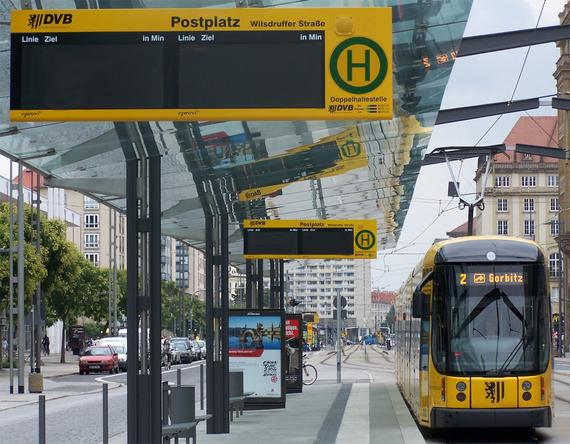 2014-05-24-StraenbahnHaltestelle_Postplatz_Dresden.jpg
