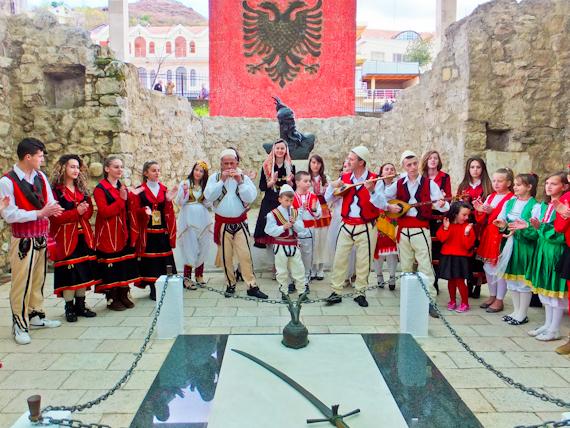 2014-05-28-SkanderbegMemorial.jpg