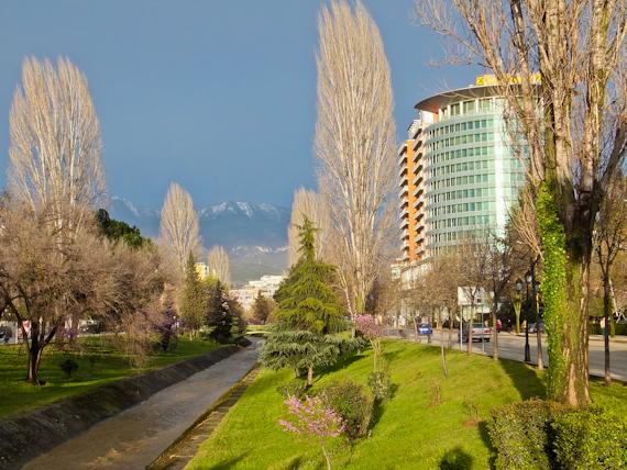 2014-05-28-TiranaStreet.jpg