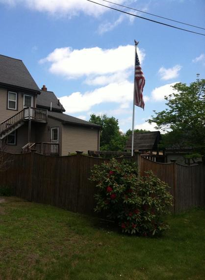 2014-05-28-flagpole.jpg