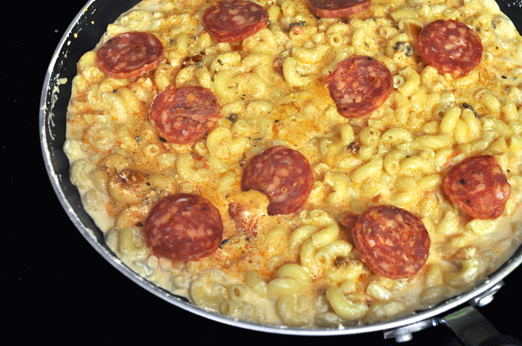 This Pizza Mac and Cheese Changes the Game | Spoon University
