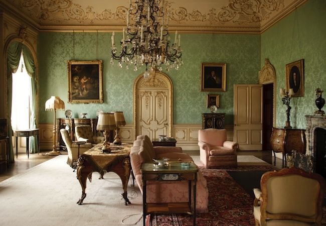 Seven heretical british staple sceneries for Classic interior house colors