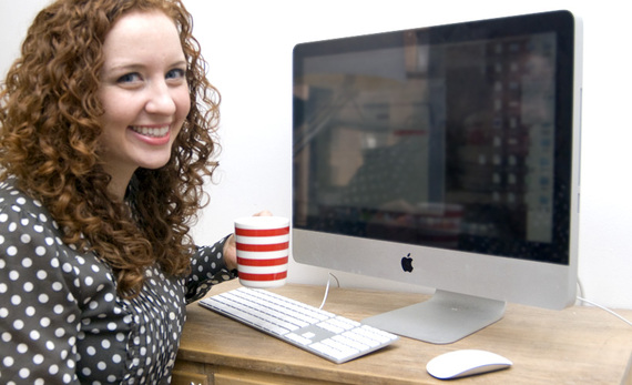 2014-05-29-womansmilingatcomputer.jpg