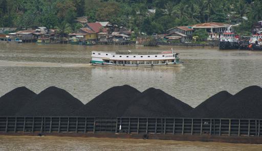 2014-06-01-CoalMiningMahakamRiverBorneoEarthDrReeseHalter