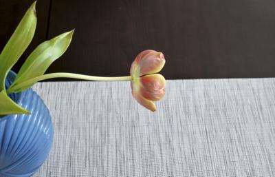 2014-06-01-Floweronblacktable.jpg