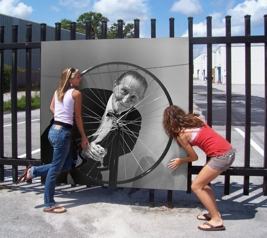 2014-06-01-girls_with_Duchamp.jpg