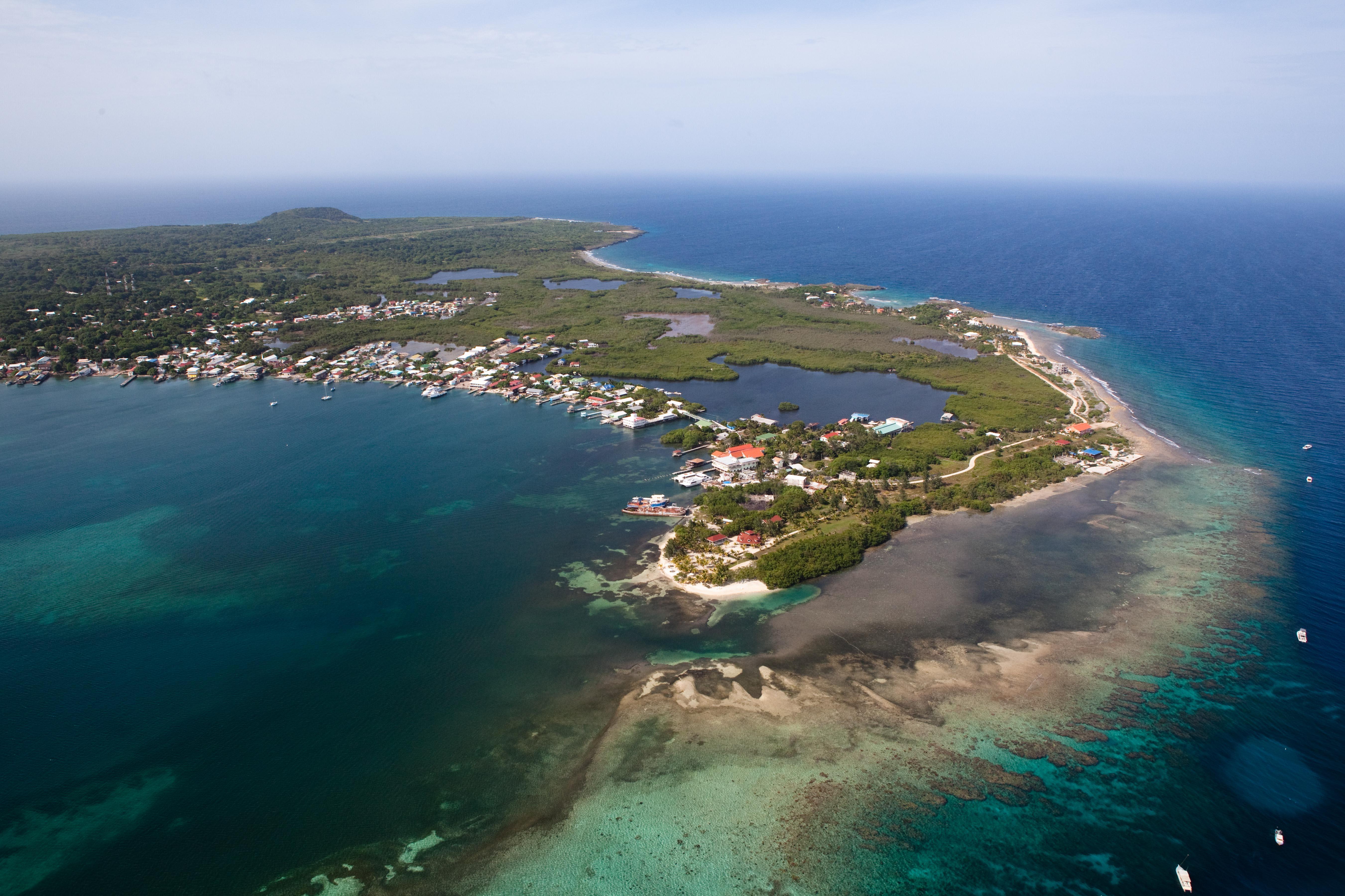 Utila Isla De Bahia The Authentic Island Experience Still Exists
