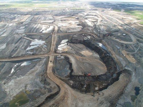 2014-06-02-Oil_sands.jpg