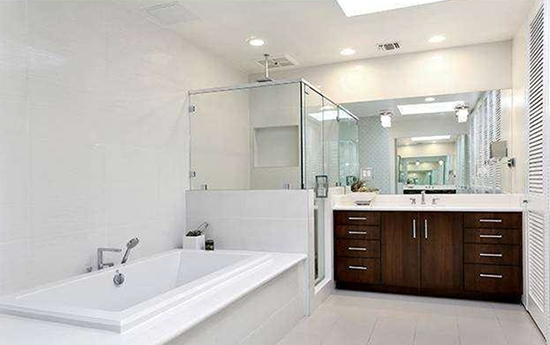 2014-06-06-bathroomsellhomes.png