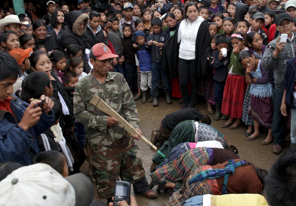 2014-06-07-GuatemalaMayanCeremony06021421.jpg