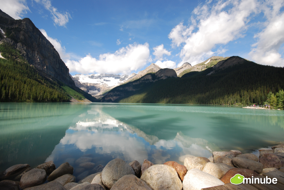 The 21 Most Spectacular Lakes On Earth Huffpost