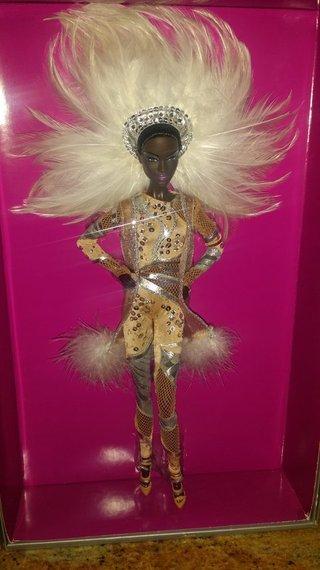 2014-06-10-rsz_1holly_dolls.jpg