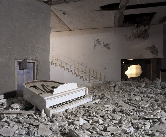 2014-06-11-Bilal_THEASHESSERIES_PIANO.jpg