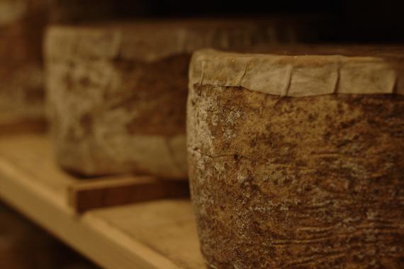 2014-06-11-cheeseboardagingclothbound600x400.jpg