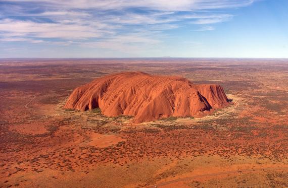 2014-06-12-Uluru_helicopter_view_croped.jpg