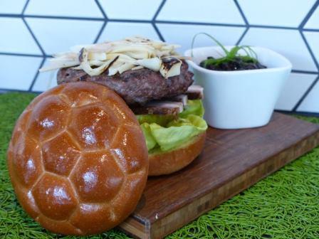 2014-06-18-soccerburger.jpg