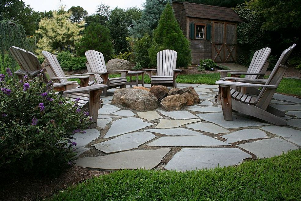 9 Ideas That Ll Convince You To Add A Fire Pit To Your Backyard Huffpost Life