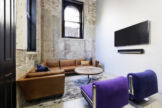 2014-06-23-loungeroomhipsterhotels.jpg