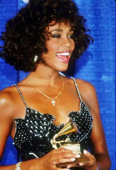 2014-06-25-Whitney_Houston_Grammy_1988_wikimedia.jpg