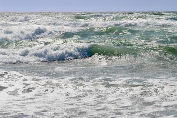 2014-06-26-Ocean_wavesen.wikipedia.org.jpg