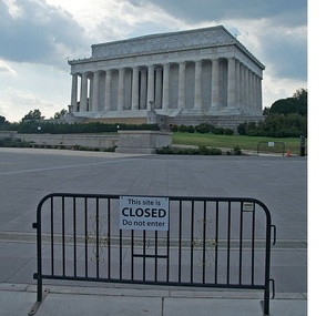 2014-06-30-Lincoln_Memorial_During_Government_Shutdown_2013.jpg
