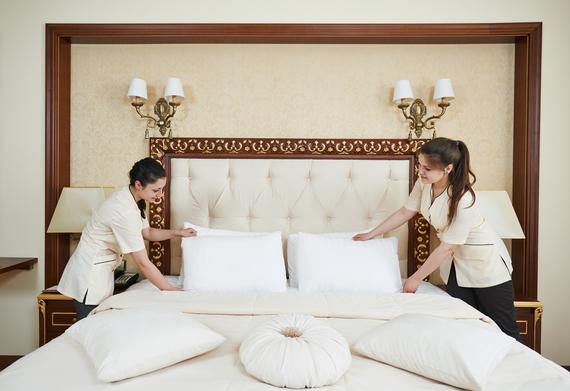 2014-07-01-Hotelhousekeepingmakingbed_cDmitryKalinovskyshutterstock_194984270.jpg