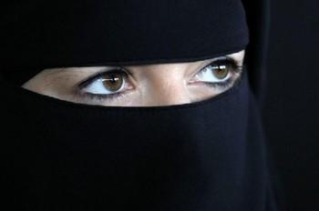2014-07-01-niqab1.jpg