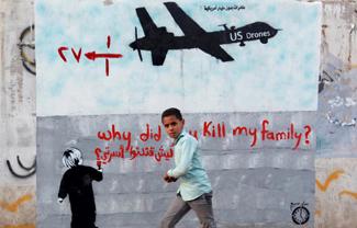 2014-07-03-drone_graffiti_yemeniboy_byMohammedHuwais_325pxw.jpg