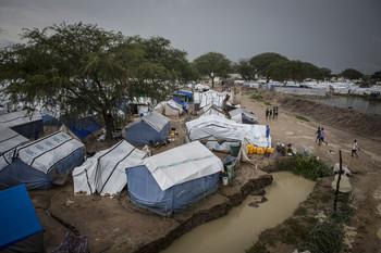 2014-07-09-SouthSudanLuolDeng2.jpg