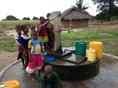 2014-07-09-waterpumpsinmozambique.jpg