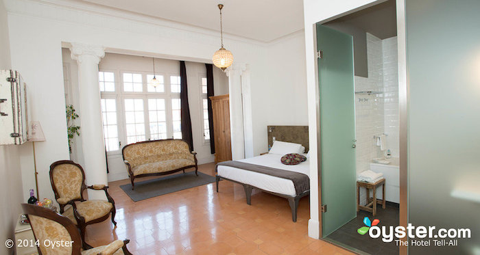 Modern hostels they do exist for the low budget high style traveler huffpost - Casa gracia barcelona hostel ...