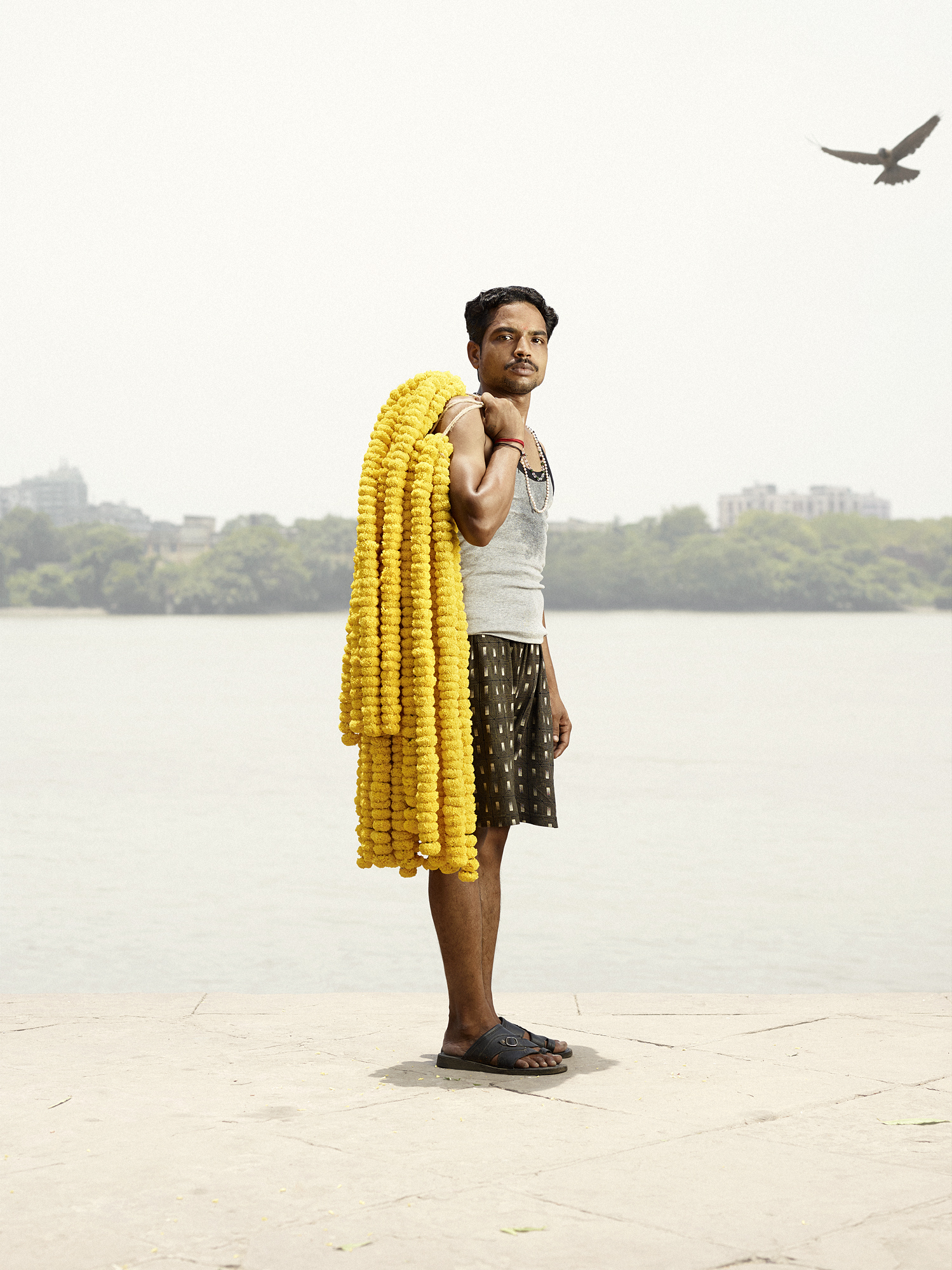 India S Flower Men Are A New Kind Of Masculine Huffpost
