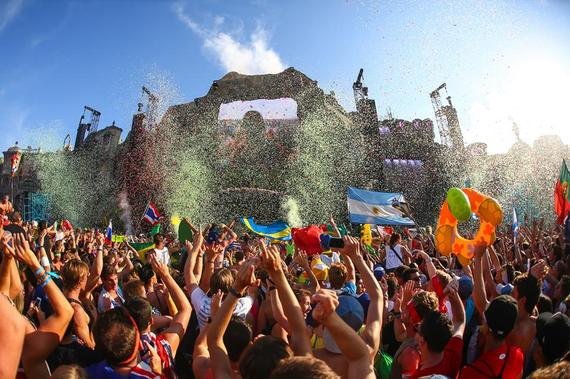 2014-07-17-tomorrowland.jpg