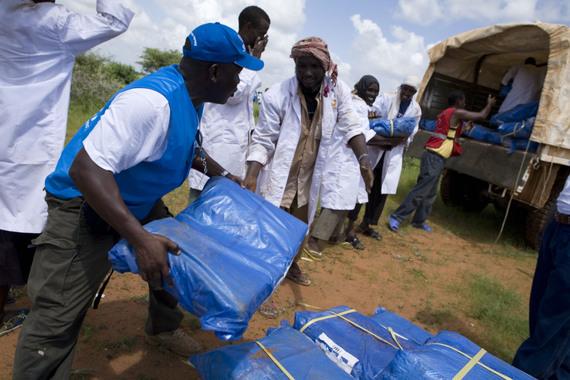 2014-07-21-06.12.00_kenya_aid_workers_logistics_unhcr_b._bannon.jpg