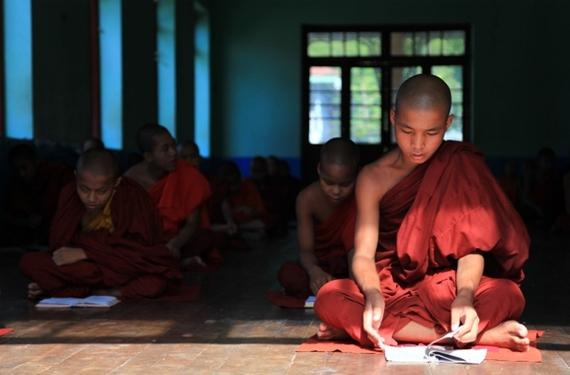 2014-07-22-MyanmarandmonkoutsideMandalayTravelIndochina640x422.jpg