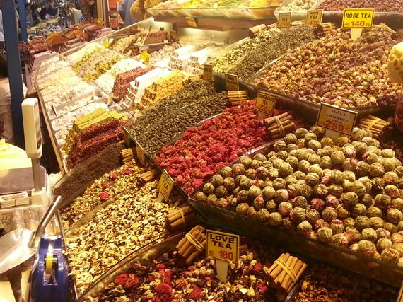 2014-07-22-istanbulmarket.jpg