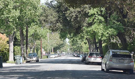 2014-07-31-hpHPGarageStreet.jpg