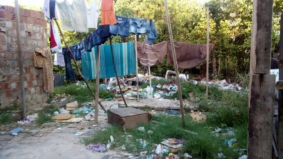 2014-08-02-12_slum.jpg