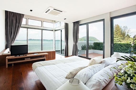 真夏もぐっすり! エアコンは体温リズムに合わせる&夏寝具の選び方