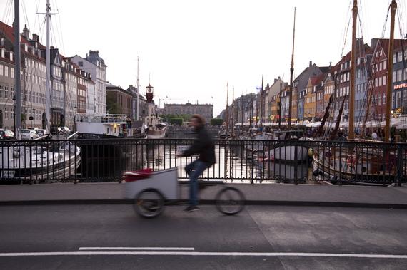 2014-08-04-Nyhavn_bridge.jpg