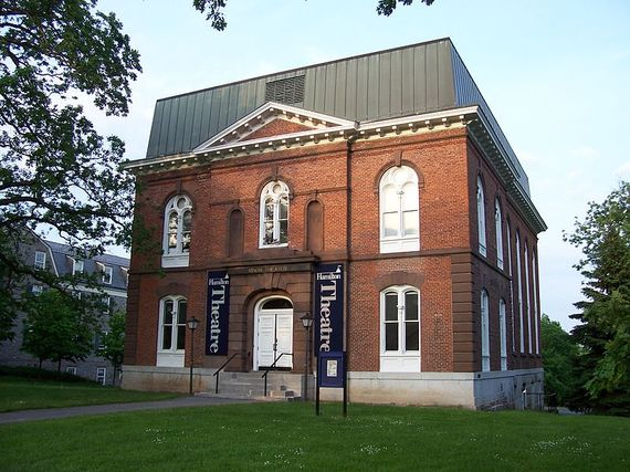 2014-08-05-800pxHamilton_College_theater.jpg